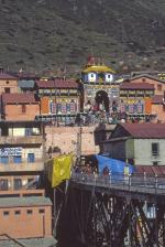 Approaching Badrinath temple