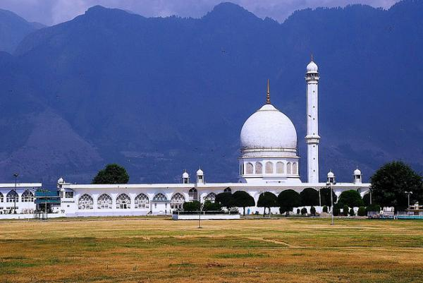 photo of Hazratbal Mosque, Srinagar, Kashmir