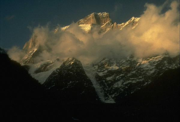 Photo of Kedarnath mountain at dusk