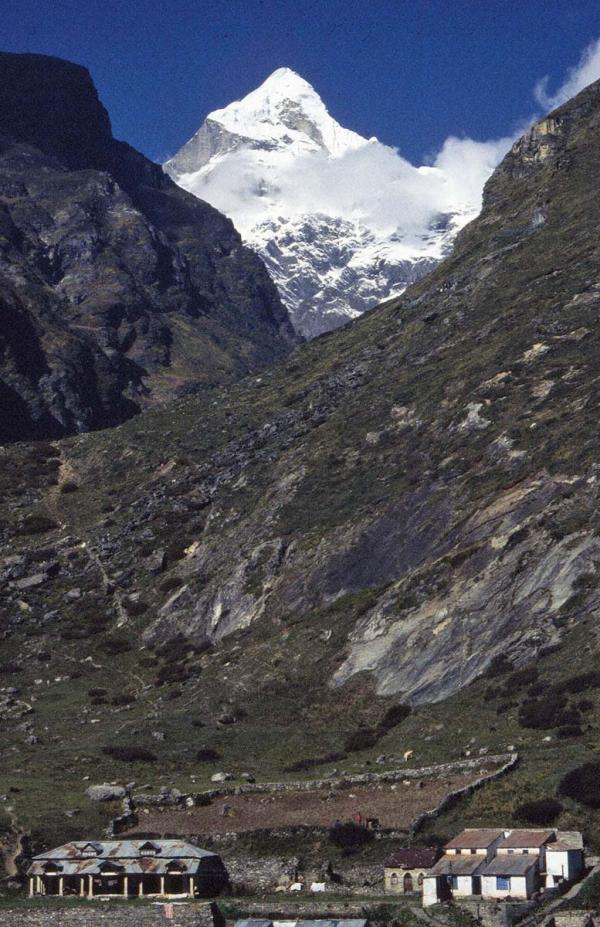 Photo of Nilkanth viewed from Badrinath, Garhwal Himalaya
