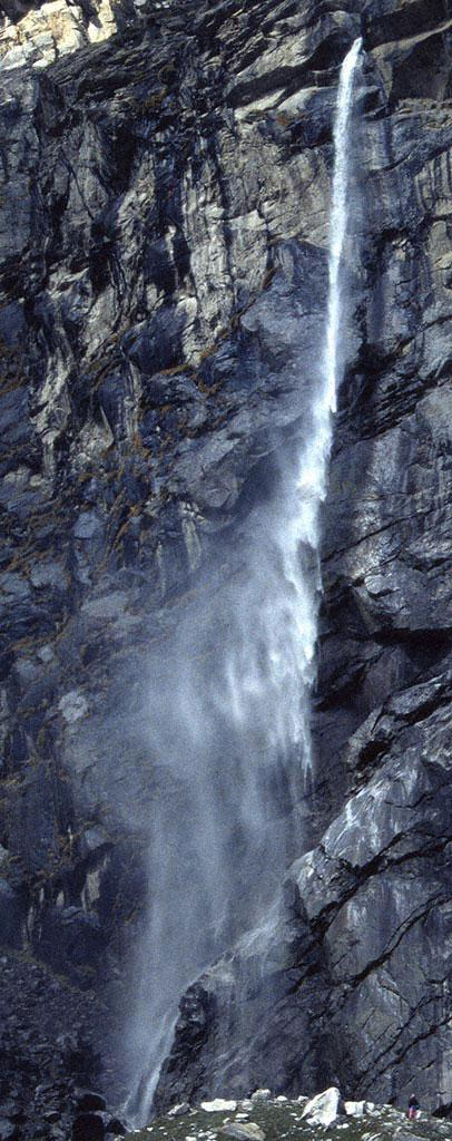 Photo of Vasudhara Waterfall in the Garhwal Himalaya