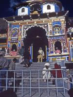 Photo of pilgrims entering Badrinath temple